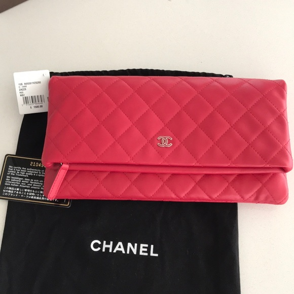 ee37f872394b Authentic Brand New Chanel Fold Over Clutch Red
